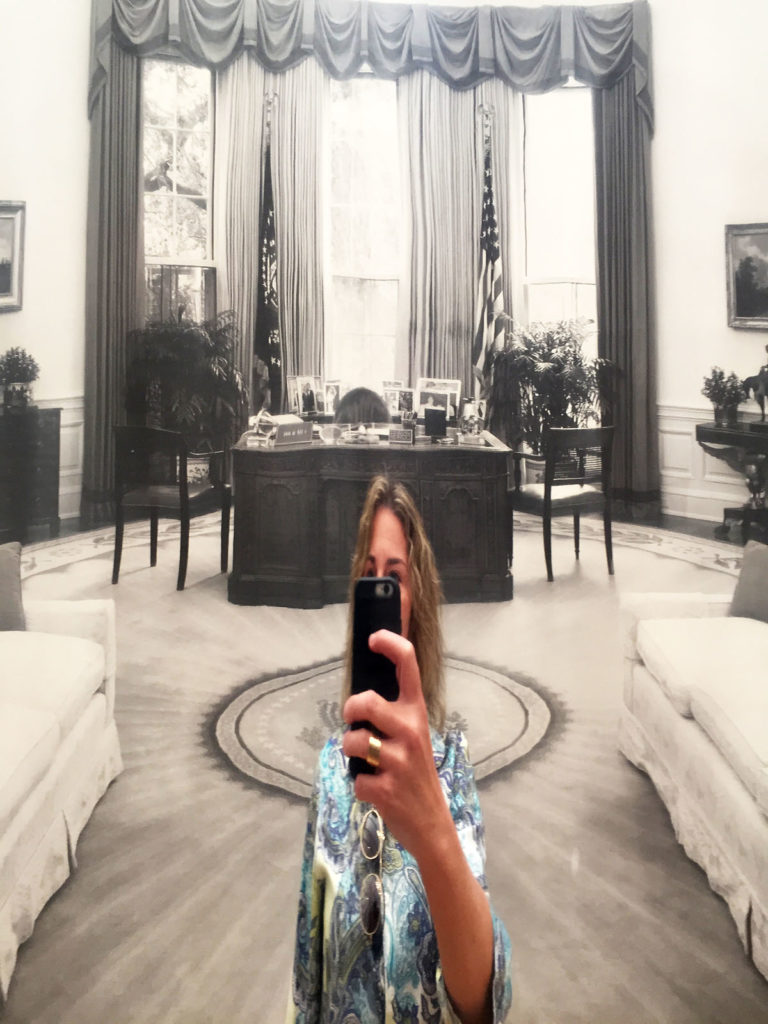 me-in-the-oval-office-web